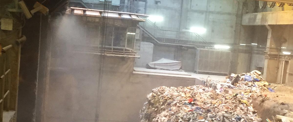 Staubbindemaschine im Müllverbrennungsanlage