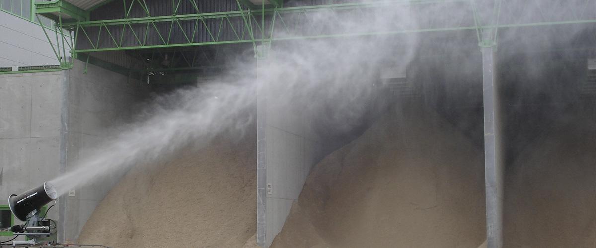 Staubbindemaschine im Schüttgutbereich