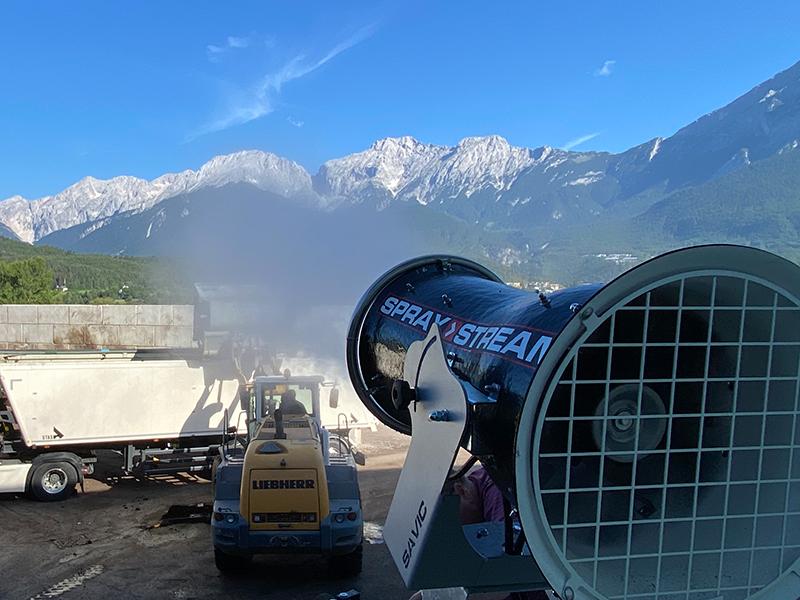 SPRAYSTREAM-Staubbindemaschine von AQUACO zur Geruchsbindung